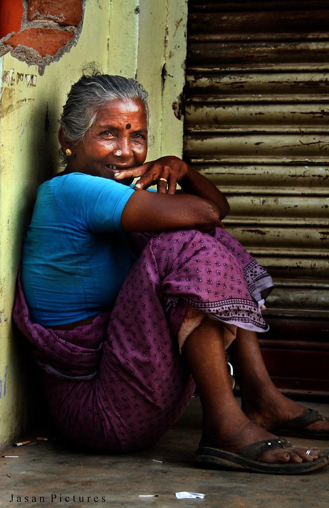 Indian granny nude photos