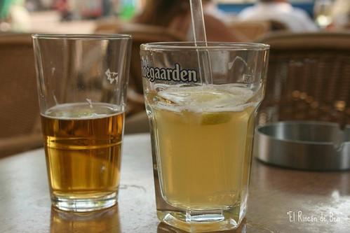 Una cerveza rubia y una blanca!!