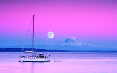 Buck Moon (mj.foto) Tags: seattle sunset summer sky moon landscape island boat washington nikon soft village purple harvest july full mount filter moonrise lee rainier sound nikkor buck blake mtrainier puget yatch waterscape tillicum 2485mm gnd f284 d700 markjosue