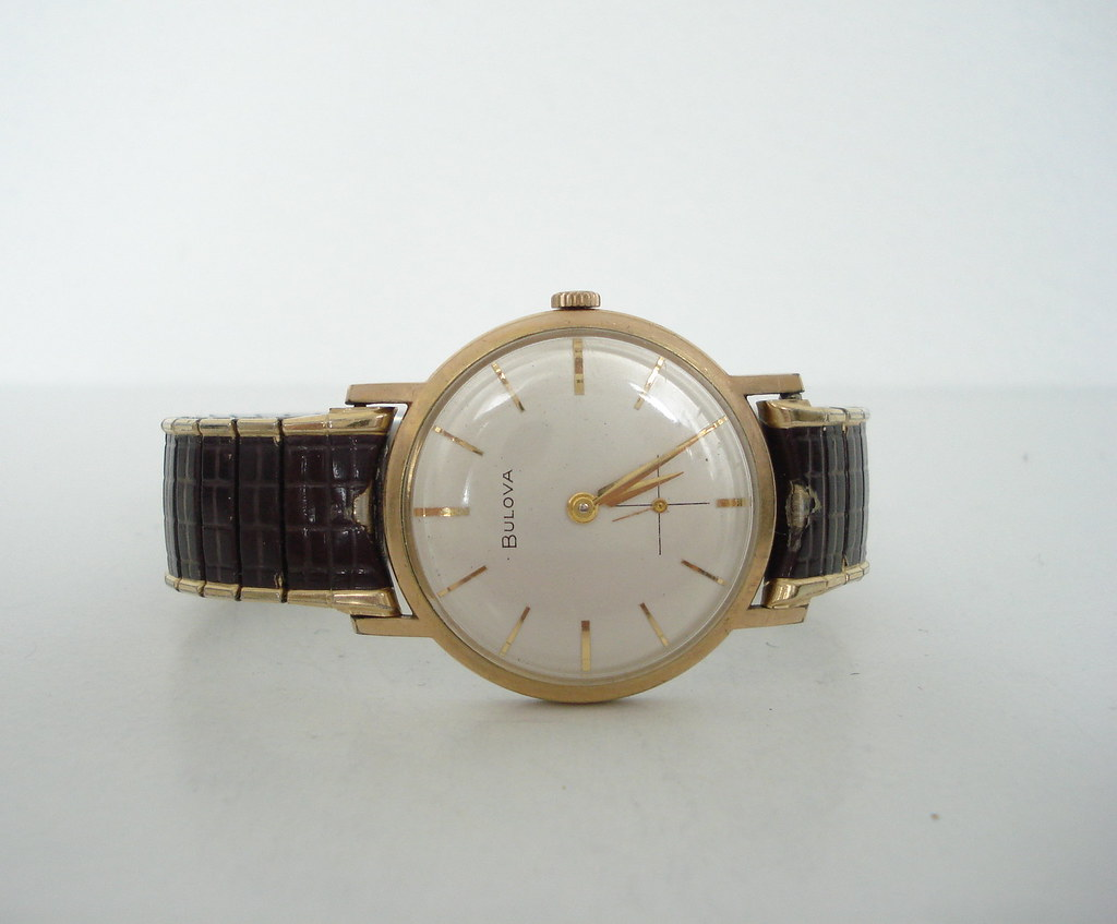 Vintage 1980s Bulova Watch with Faux Reptile Elastic Band