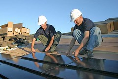 installing solar panels in Berkeley (via NY Green Advocate)