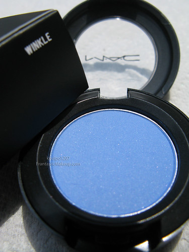 MAC Dare to Wear Winkle eye shadow