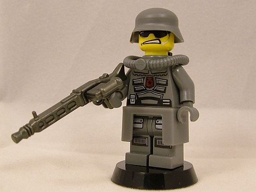 BrickArms MG42 with Viewfinder Prototype - Weird War II