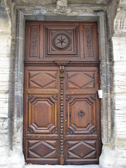 IMG_2475Pernes les Fontaines (mfdudu) Tags: door porte perneslesfontaines img2475
