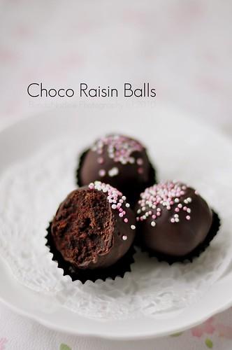 Choco raisin balls