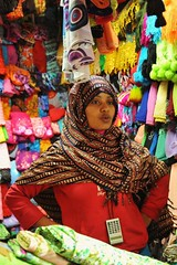 3a. I bought some beautiful Somali material from this lady, Smugglers' Market