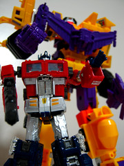 Devy Under Autobot Control (cr@ckers43) Tags: g1 g2 convoy takara autobots optimusprime decepticons devastator constructicons ths02 crazydevy