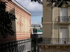 Viaduc de Passy - 02 (Stephy's In Paris) Tags: viaducdepassy passy pontdebirhakeim birhakeim mtro metro mtropolitain mtrodeparis mtroparisien underground subway paris15 paris15me parisxvme paris15mearrondissement 75015 paris16 paris16me parisxvime paris16mearrondissement 75016 paris france francia stephy stephyinparis nikon coolpix4300 nikoncoolpix4300