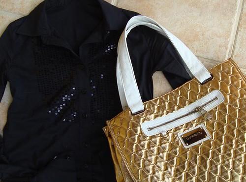 Camisa e bolsa
