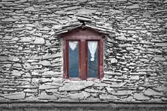 Ventana Torla (Huesca) (Juan Antonio Cap) Tags: roof espaa ventana spain huesca tetto fenster fine