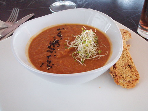 Tomato Lentil Soup with Bus Baked Bread
