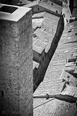 Looking at the people from high above (Bas Lammers) Tags: summer italy tower florence hills crete siena sangimignano toscane