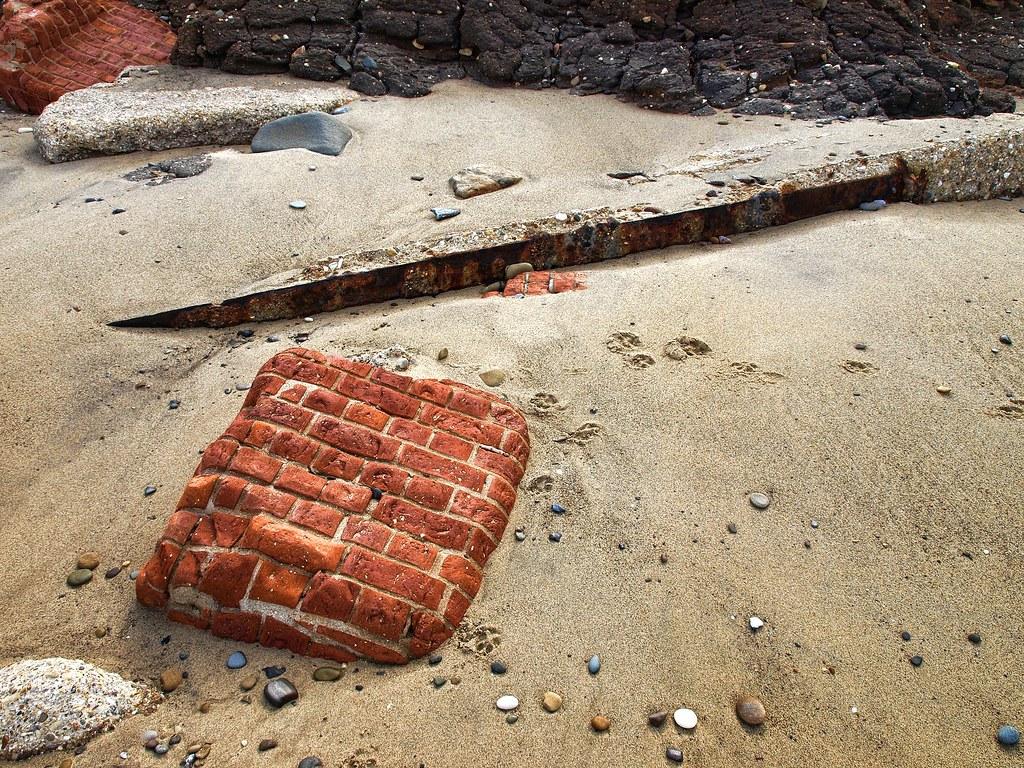 Heavy coastal erosion, Hornsea P7313634 ed