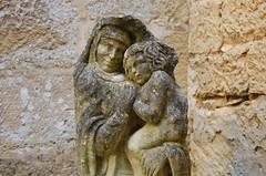Chteau de Fnelon (gillyan9) Tags: statue sourire