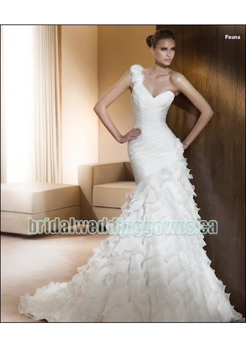 organza sweetheart neckline one shoulder wedding gown