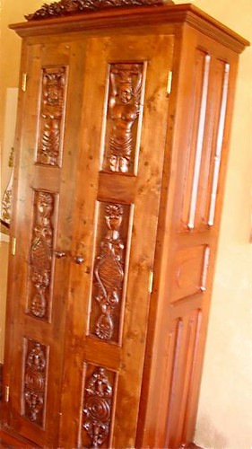 ecuador-antique-door