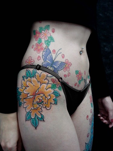 Tattoos Butterfly Flower on Women Waist