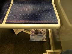 Métro - 10 (Stephy's In Paris) Tags: paris france underground subway nikon metro métro francia stephy nikoncoolpix4300 coolpix4300 métroparisien métropolitain métrodeparis stephyinparis