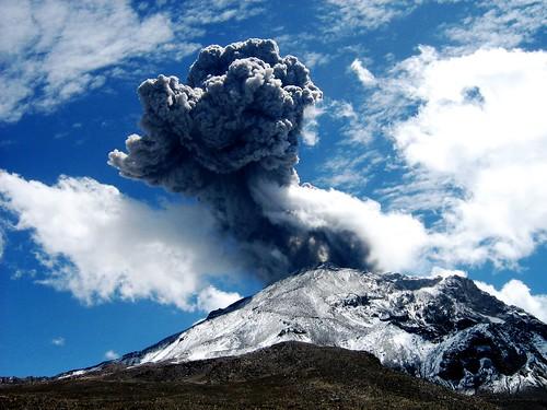 Volcán Ubinas. Fotografía tomada el 15 de marzo del 2009