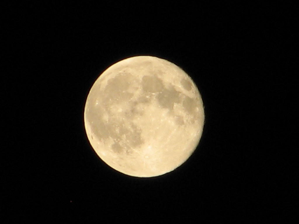 La lune : reine de la nuit