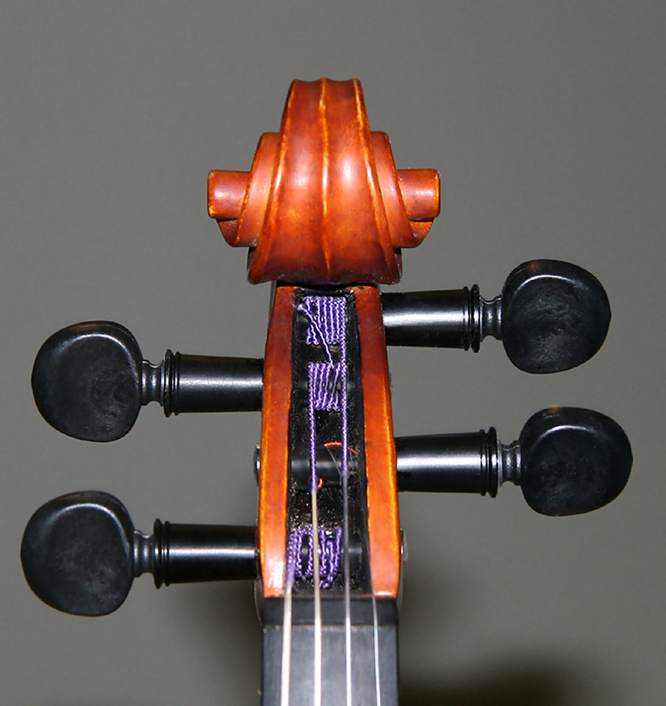 Perfection pegs on a 1/4 violin