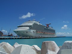 FBI: Dead newborn found in cruise ship
