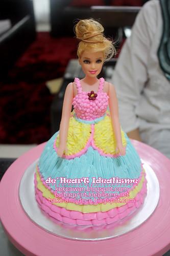 Batch 21 Sept:  Buttercream Cake + Cupcakes + Doll Cake