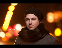 Day 181 - staying warm (Daniel | rapturedmind.com) Tags: street winter portrait selfportrait cold hat scarf warm bokeh beanie flair day181 rimlight project365 365days strobist canonef70200f28is 181365 365tage