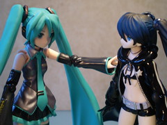 Revelations (Sasha's Lab) Tags: musician black anime macro girl rock dead toy actionfigure action background master musical hero figure singer backdrop gsc shooter magical yutaka yamamoto hatsune crossover brs miku actiongirl ordet youareme goodsmile iamyou twintails plastic52 vocaloid  figma  blackrockshooter  deadmaster burakkurokkusht