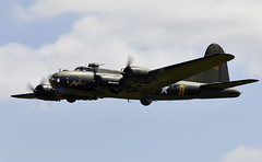 Flying Fortress (Bernie Condon) Tags: b17 boeing flyingfortress bomber ww2 usaaf us military warplane vintage preserved uk british shuttleworth collection oldwarden airfield airshow display aviation aircraft plane flying