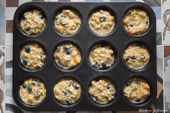 Oatmeal banana muffins with blueberries (Akane86) Tags: muffins oatmeal haferflocken avena saludable healthy banana blueberries breakfast desayuno lowcarb