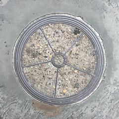 THE LUXFER CO COALPLATE  BELGRAVE ROAD PIMLICO (xxxxheyjoexxxx) Tags: coalplate coal plate iron shute vintage cover opercula plates coalplates lid lettering foundry london pimlico