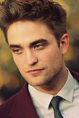 "Robert Pattinson - ""Eclipse"" Premiere"