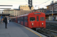 Subway to Storo at Majorstuen station (scanair1) Tags: old city public oslo subway t metro ringen transport system akershus bane majorstuen banen storo