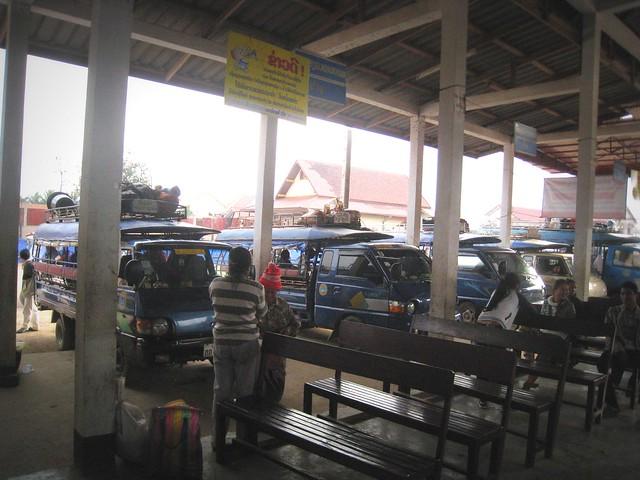 A la gare de bus de Luang Prabang