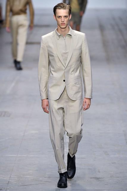 Benoni Loos3175_SS11_Milan_Costume National(VOGUEcom)