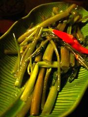 空心菜の炙り炒め。コレも好きな人にはたまらない味だなー。 #sntn