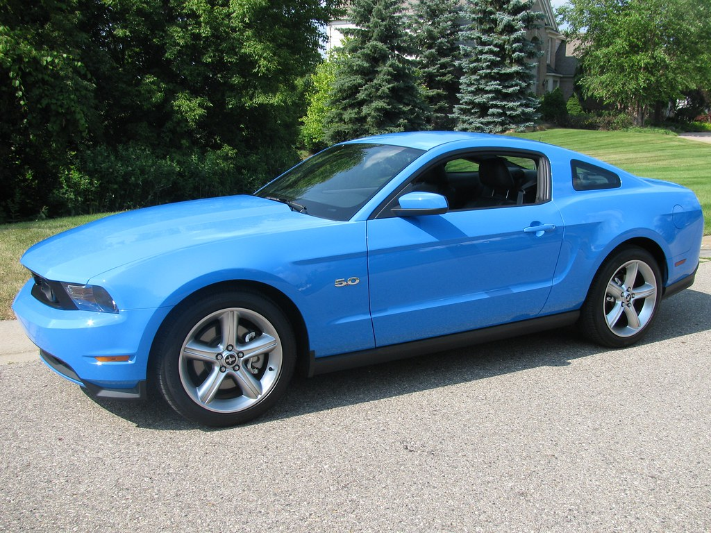 Vwvortex Com Wwtcld Mustang Gt Premium Vs Golf R Vs Vs