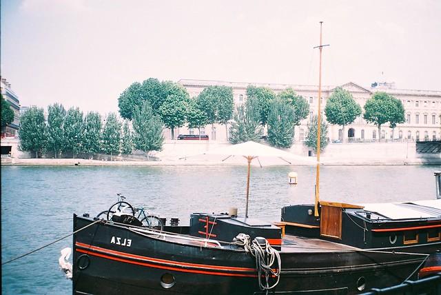 Olympus Trip 35 - The Seine