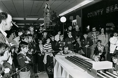PinewoodDerby1978 (chuckp) Tags: blackandwhite kids children truth madison shoppingmall scouts wi pinewoodderby leicam2 westtowne asachuckp