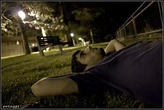 Mira las estrellas (Petaqui) Tags: parque españa noche huesca paseo estrellas mirar nocturna aragon autorretrato cantera jaca tirado petaqui
