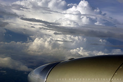 El Golfo de Mxico (Jose Rentera Cobos) Tags: blue sky window azul clouds lens ventana photography king pentax nimbus aircraft air flight engine aerial cielo da nubes cumulus motor passenger 1855mm propeller smc turbine prop avion vuelo turbina aerea helice pasajero k10d gt9o
