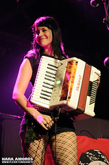 The Mahones @ Razzmatazz 2, Barcelona 2010 (Hara Amorós) Tags: barcelona show music photo concert nikon punk foto photos live katie concierto group livemusic band accordion fotos musica 1750 grupo musik tamron f28 mcconnell hara 2010 directo the acordeon d300 musika folkpunk livephotography mahones livemusicphotography tamron1750 tamronspaf1750mmf28xrdiiildasphericalif irishpunk celticpunk razz2 amoros themahones nikond300 razzmatazz2 haraamorós haraamoros tamronspaf175028xrdiii salarazzmatazz2 katiemcconnell lastfm:event=1272924