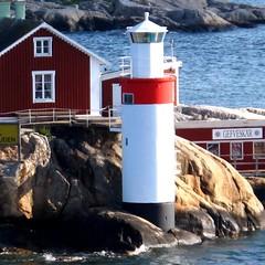 Gefveskär Fyr (YIP2) Tags: lighthouse göteborg coast sweden gothenburg vuurtoren fyr 5photosaday gefveskär