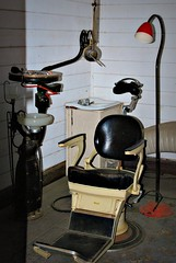Replica of old dentist surgery (rustic cat - Sarah) Tags: chair teeth oldbuildings surgery dentist oldtailemtown