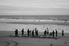 Neosurfers (maiatza3) Tags: sea blackandwhite bw blancoynegro beach mar sand surf waves playa arena contraste surfers olas euskadi basquecountry jovenes instruccion gipuzkoa zarautz neopreno