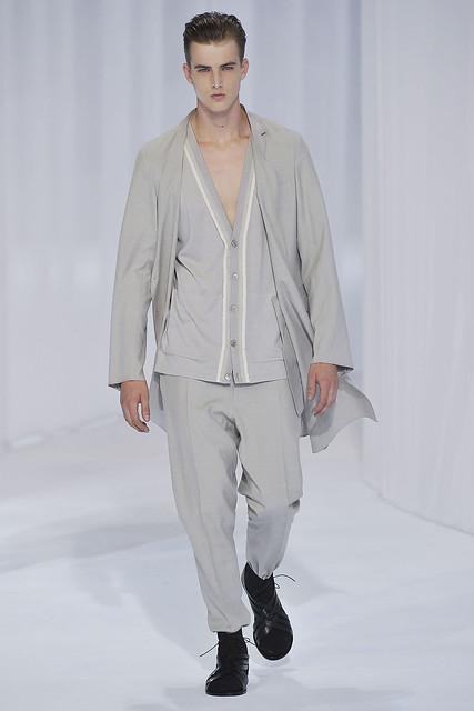 James Smith3166_SS11_Paris_Dior Homme(VOGUEcom)