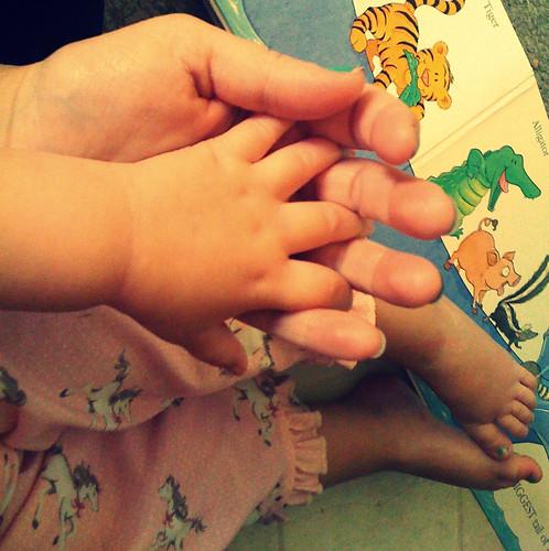 hand hand