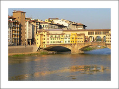 Ponte Vecchio (Sorenza) Tags: old city trip travel bridge light summer italy holiday color colour love water architecture river geotagged photography town photo florence colorful eau europe italia day photos lumire live fiume ponte tuscany pont colored firenze arno toscana toscane italie ville pontevecchio fleuve vecchio sorenza leuropepittoresque