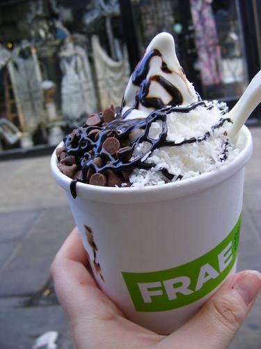 Frae organic frozen yoghurt